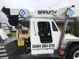 Mobile Crane Hire Melbourne - Gravity Rigging - Construction   | Croozi